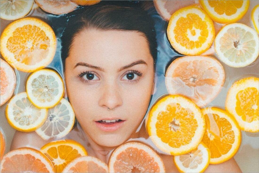 jan_detox-fruit-girl-min